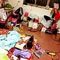 該如何解釋這是一個女孩子的房間 .......而且這只是小部分.jpg