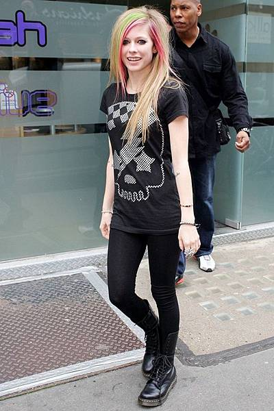 celebrities-love-dr-martens--large-msg-134644521934