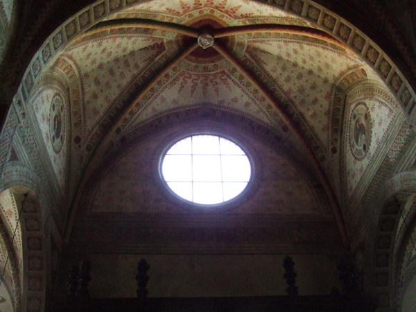 跑進感恩聖母院之美美天花板