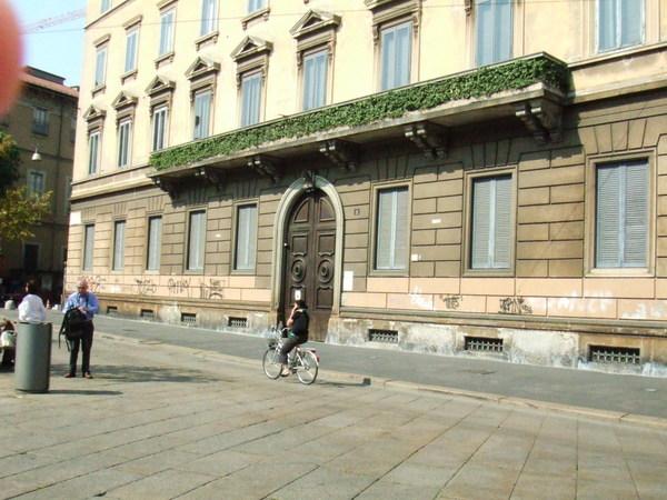 米蘭街道與我之鏡頭跟著腳踏車跑