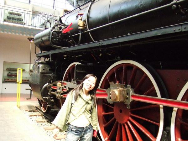 米蘭科學技術博物館之人家把火車擺進來了