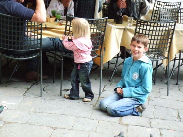 廣場點點滴滴之小弟弟不要笑的這麼甜啊大姐姐我沒有抵抗力的
