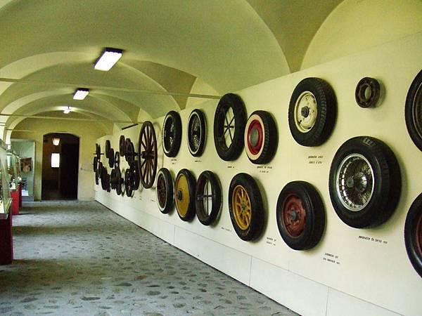 車輪歷史牆面斑駁@義大利達文西科學技術博物館