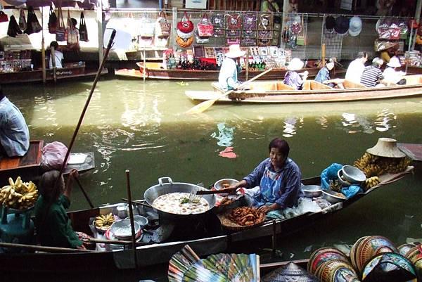 大鍋綠咖哩上船@泰國水上市場
