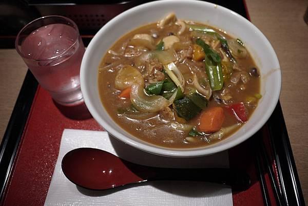 野菜咖哩烏龍,500円。