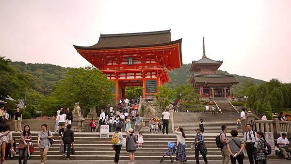 清水寺有名的大門-仁王門