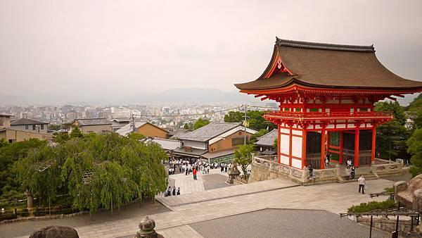 從清水寺的方向看京都市區。