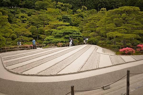 日本人真的非常喜愛枯山水。
