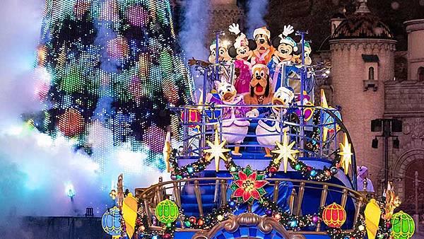 圖三.東京迪士尼夜間表演.jpg