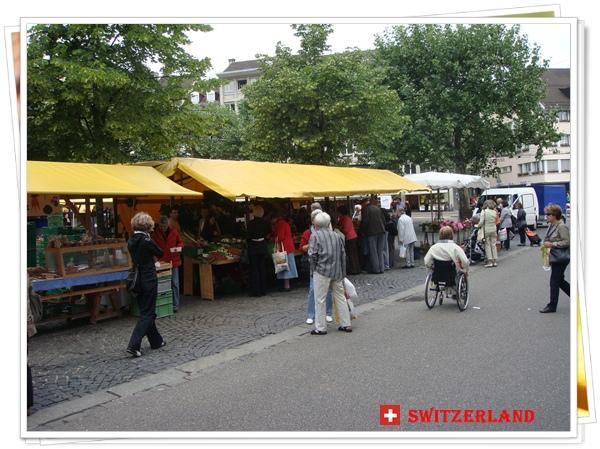 DSC01149聖加倫(St.Gallen)的市集.JPG