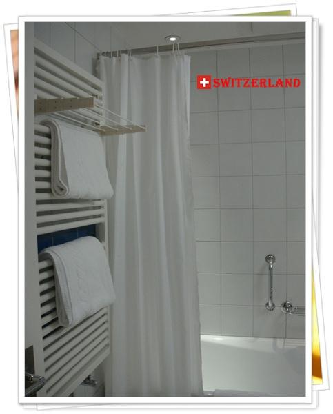 DSC01325瑞士的旅館幾乎都沒有冷氣,不過都有暖氣,到旅館後第一件事通常是先開暖氣.JPG