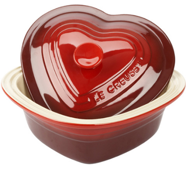 le_creuset_heart-shaped_covered_stoneware_baker.jpg