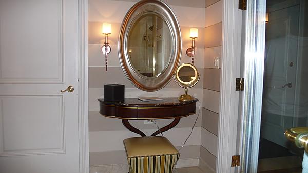 浴室梳妝台