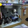 妞家廚房的置物小櫃...始終凌亂.jpg