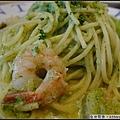 鮮蝦菠菜青醬義大利麵.jpg