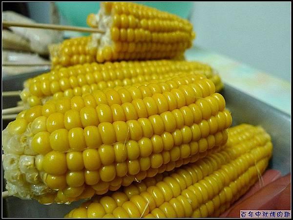 傳統市場搶到翻天的玉米.jpg