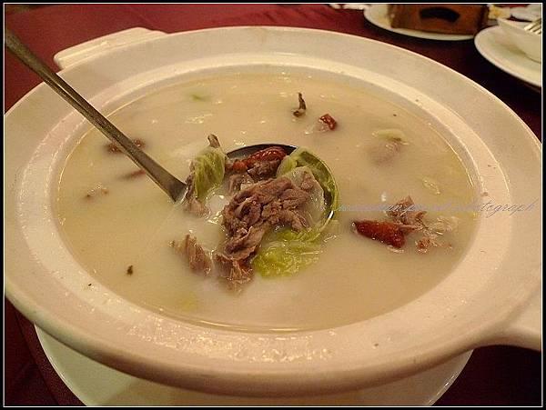 慢火白菜燉鴨湯
