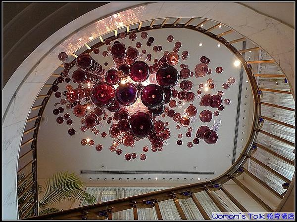 華麗的水晶燈.jpg