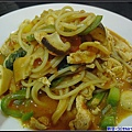 雅馨點的-茄汁蔬菜雞肉麵.jpg