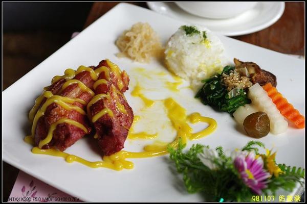 馬丁的主餐-德國蜂蜜醬豬腳.jpg