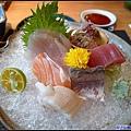 15 季節性綜合生魚片.jpg