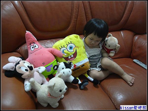 中場休息...轉眼發現全把玩偶搬上來啦.jpg