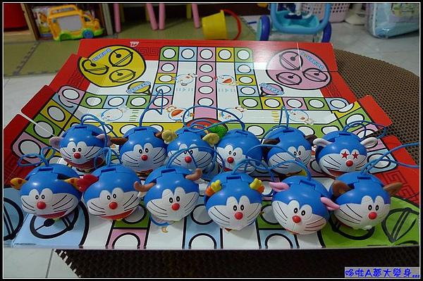 玩好了嗎...棋盤也是收藏盒唷.jpg