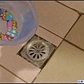 倒入水盆後...用滴的方式慢慢倒入~.jpg