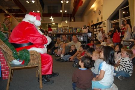 Santa Claus Solana Beach Library 003.JPG