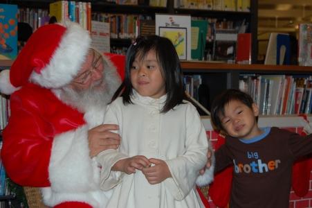 Santa Claus Solana Beach Library 024.JPG