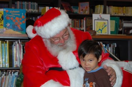 Santa Claus Solana Beach Library 025.JPG