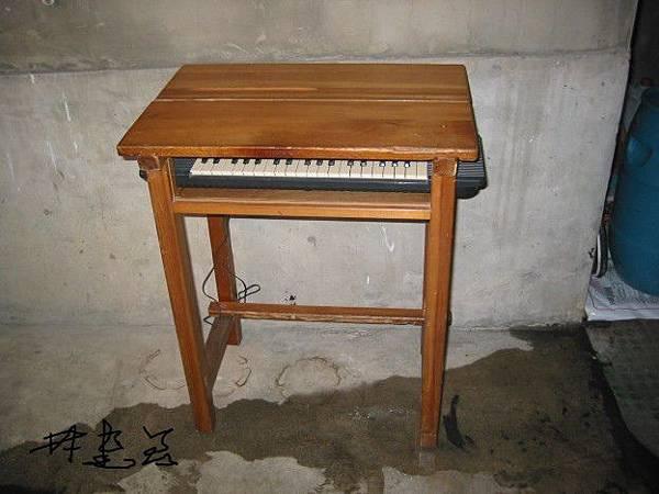 木課桌變鍵盤桌