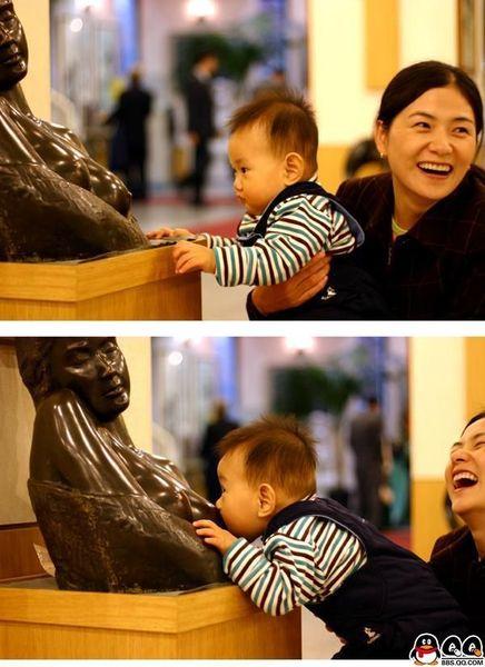 當小男生看到裸女的反應.jpg
