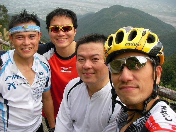 左至右:阿勝、我、SCOTT、ALLEN
