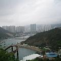 沿著山坡蓋上去的海洋公園