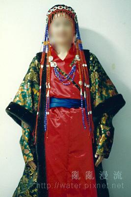 十二世紀蒙古袍