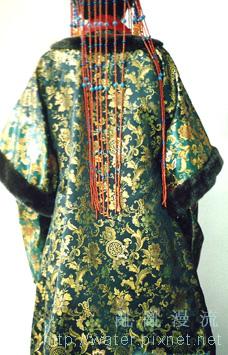 十二世紀蒙古袍背面