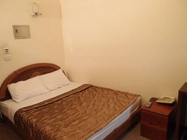 單人套房-舒適的雙人床