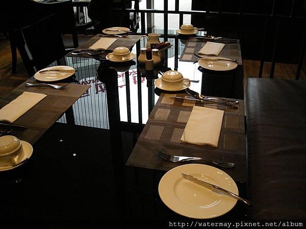 住了五天四夜飯店裡的餐廳-第二天早餐座的位置-