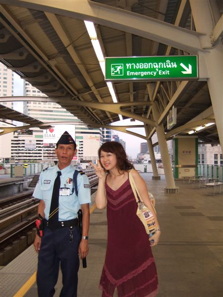 05.04.30曼谷MRT3.jpg