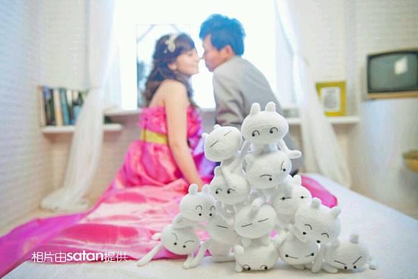 兔斯基襪娃娃疊疊樂拍婚紗