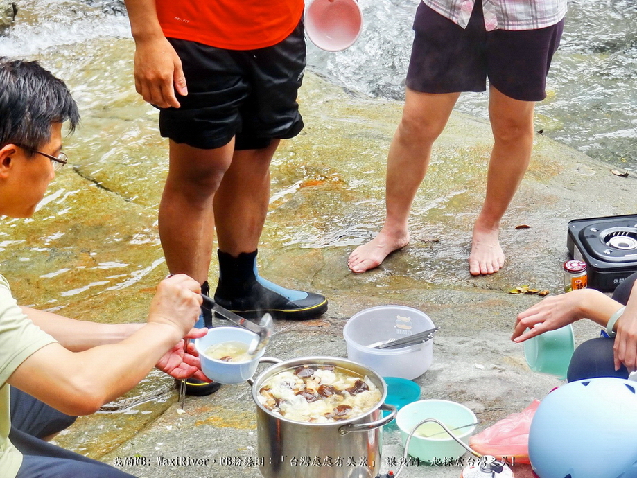 57 食物 豐盛的午餐 感謝黃老師熱情贊助美味可口的香菇魚丸雞湯