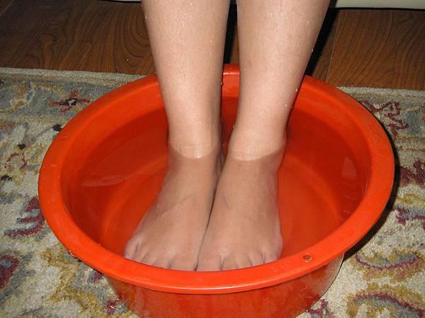 泡腳促進血液循環.JPG