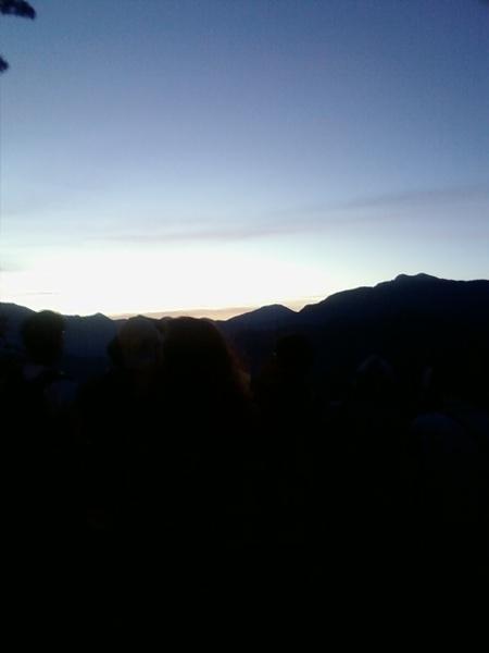 日出前一刻