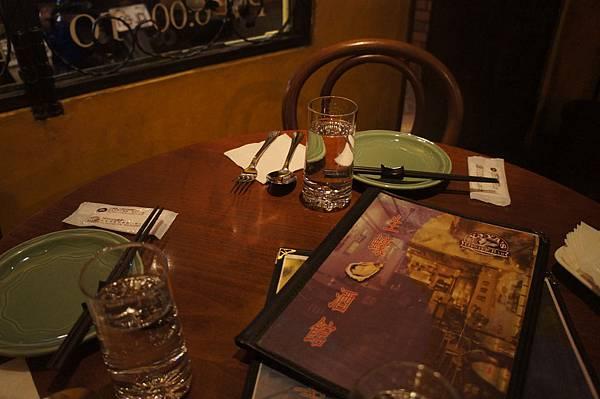 桌面擺設@生蠔酒館