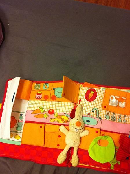 小兔布書廚房