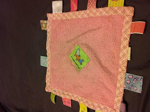 水寶貝滿六個月的安撫巾