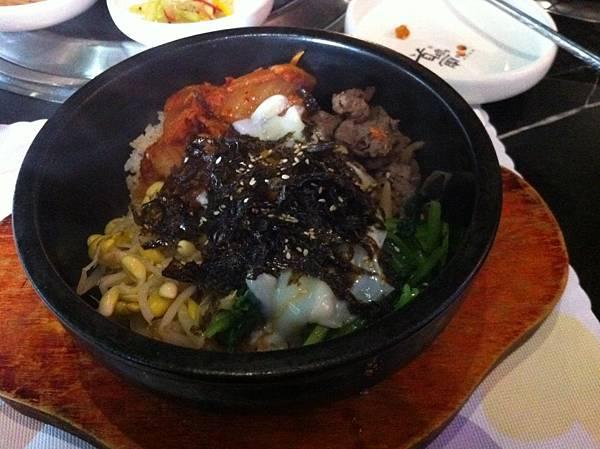 牛肉石鍋拌飯.JPG