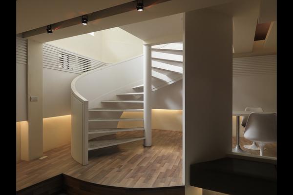 樓梯游大師.jpg