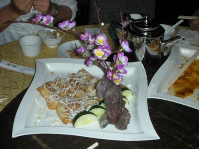 晚餐是由國宴級的主廚掌廚,果真是色香味俱全,美的令人胃口大開。